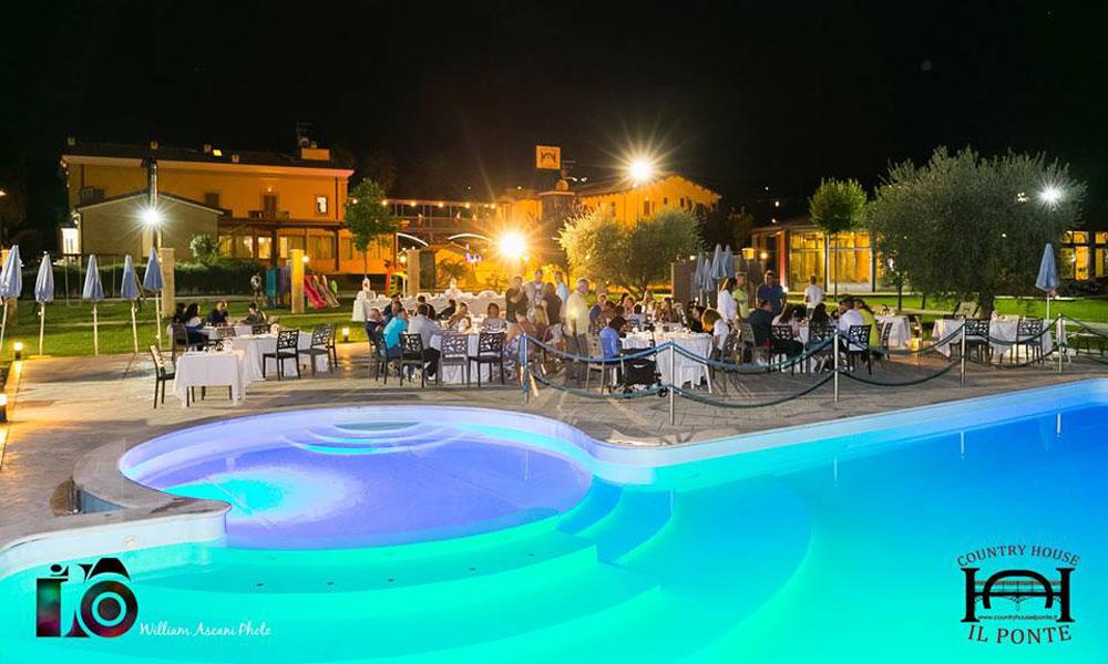 photogallery residence vacanze con piscina sul mare in abruzzo